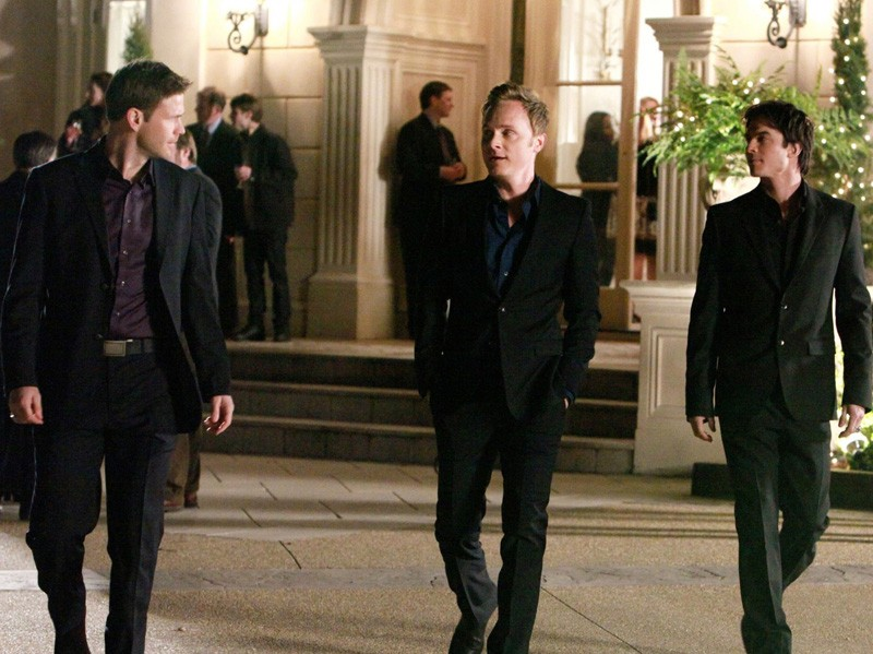Matt Davis, David Anders e Ian Somerhalder nell'episodio Under Control di The Vampire Diaries