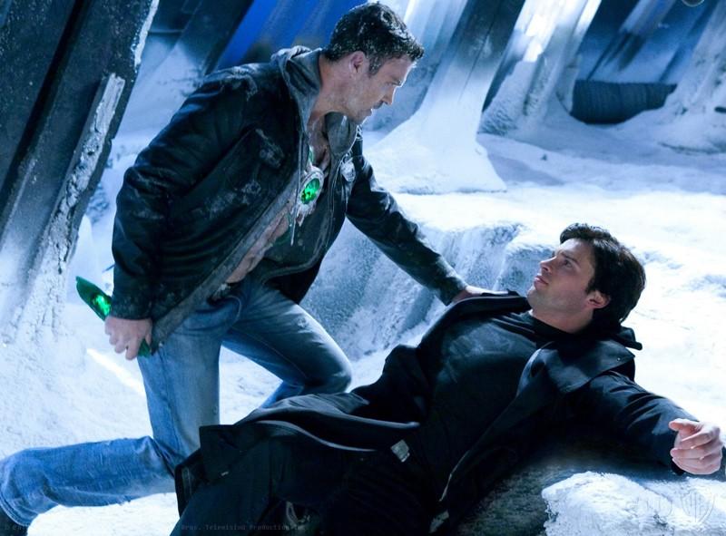 Metallo (Brian Austin Green) faccia a faccia con The Blur (Tom Welling) nell'episodio Upgrade di Smallville