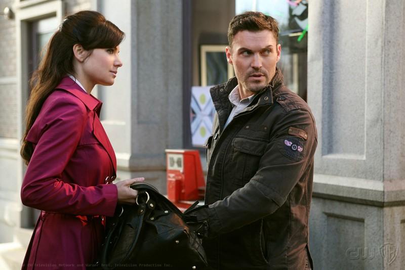 Una sequenza dell'episodio Upgrade di Smallville con Erica Durance e Brian Austin Green