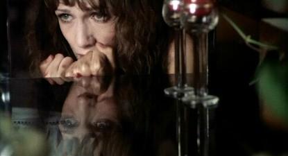 Daria Nicolodi in una scena del film Shock (1977)