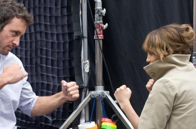 Jennifer Lopez e Alex O'Loughlin in un'immagine della commedia Piacere, sono un po' incinta