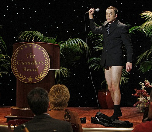 Jim Parsons nell'episodio The Pants Alternative di The Big Bang Theory