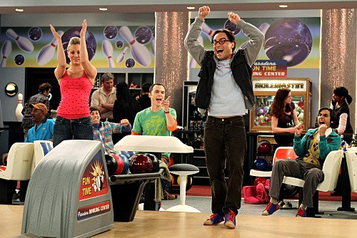 Kaley Cuoco e Johnny Galecki nell'episodio The Wheaton Recurrence di The Big Bang Theory