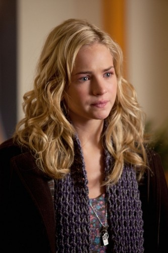 Life UneXpected: Brittany Robertson in una scena dell'episodio Family Therapized