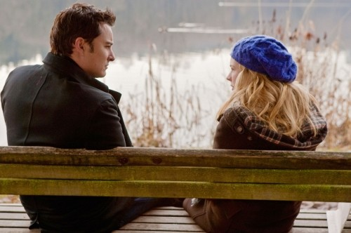 Life UneXpected: Kerr Smith e Brittany Robertson in una scena dell'episodio Family Therapized