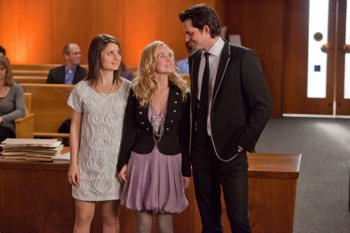 Life UneXpected: Shiri Appleby, Brittany Robertson e Kristoffer Polaha nell'episodio Love Unexpected