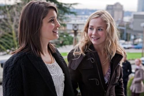 Life UneXpected: Shiri Appleby e Brittany Robertson nell'episodio Love Unexpected
