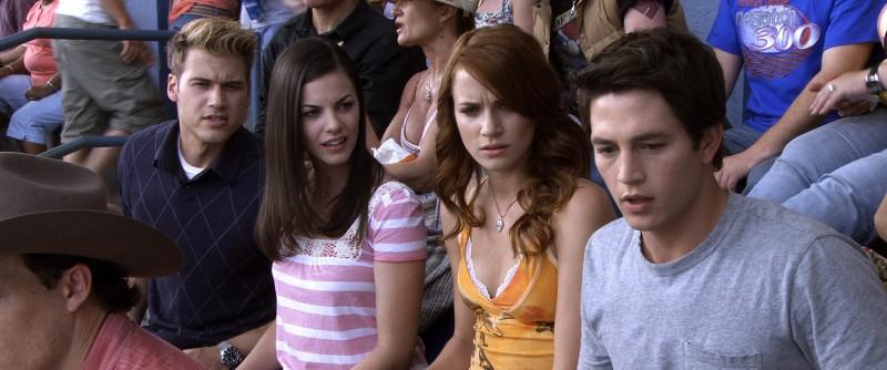 Shantel Vansanten, Bobby Campo, Nick Zano e Haley Webb in un'immagine del film The Final Destination 3D