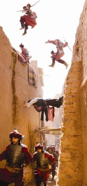 Una scena d'azione con protagonista Dastan (Jake Gyllehaal) dal film Prince of Persia: Le sabbie del tempo