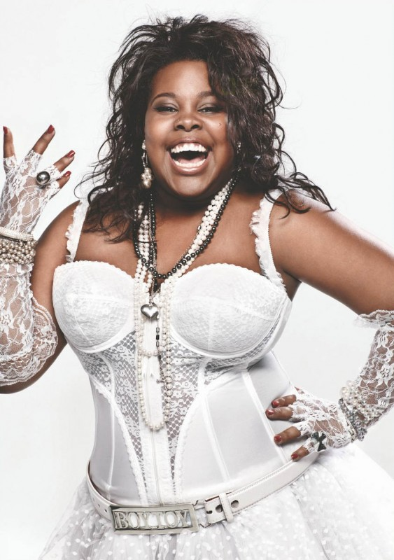Amber Riley in versione Like a Virgin per una foto promo di The Power of Madonna, episodio di Glee