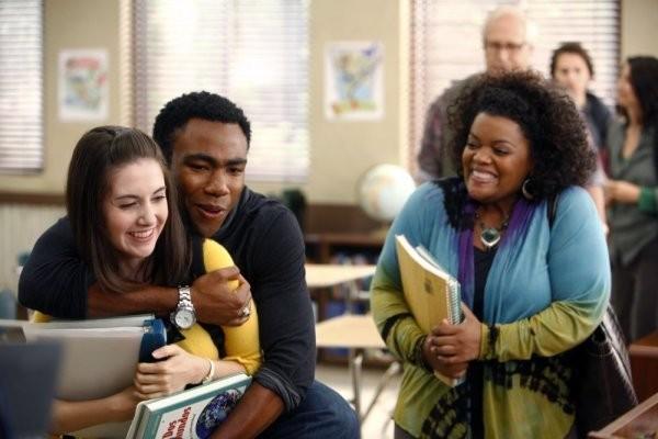 Community: Alison Brie, Donald Glover ed Yvette Nicole Brown nell'episodio Politics of Human Sexuality
