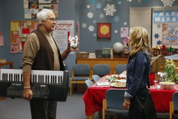 Community: Chevy Chase e Gillian Jacobs nell'episodio Comparative Religion