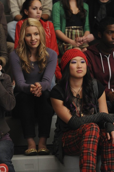 Dianna Agron e Jenna Ushkowitz nell'episodio The Power of Madonna di Glee