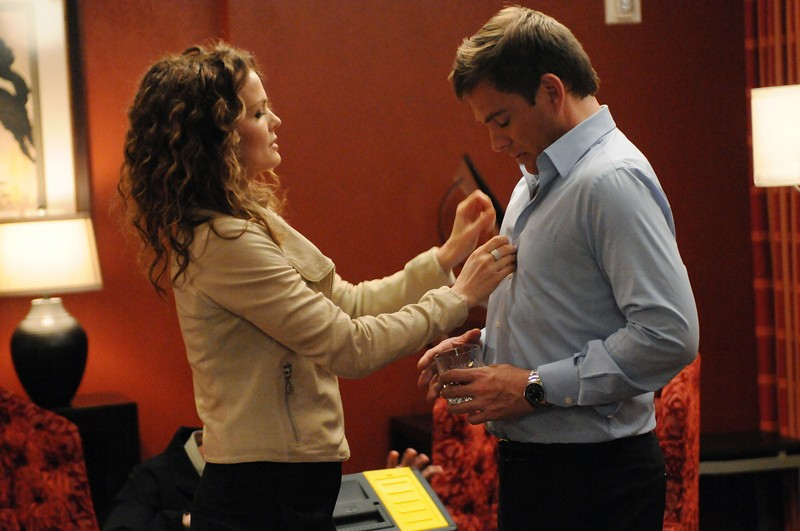 Holly Snow (Dina Meyer) e DiNozzo (Michael Weatherly) nell'episodio Guilty Pleasure di Navy NCIS
