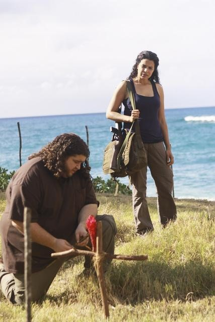Lost: Jorge Garcia e Zuleikha Robinson nell'episodio Everybody Loves Hugo
