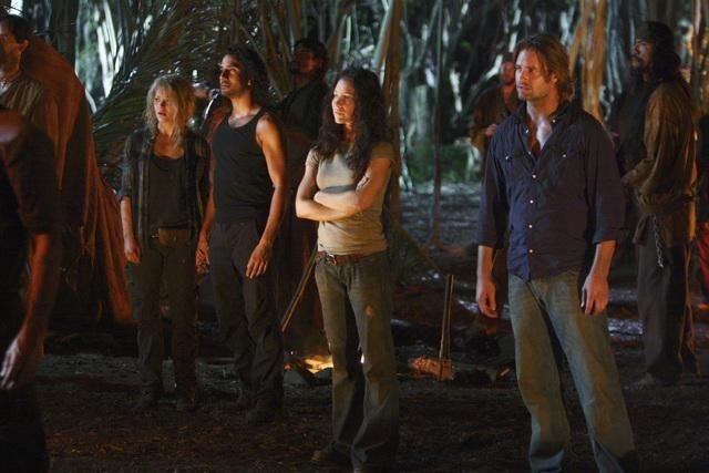 Lost: Josh Holloway, Evangeline Lilly, Naveen Andrews ed Emilie De Ravin nell'episodio Everybody Loves Hugo