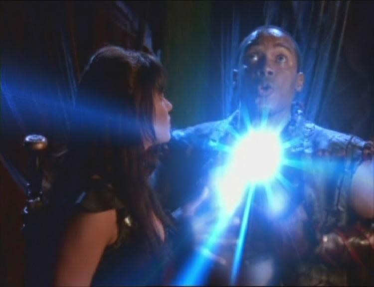 Lucy Lawless e Bobby Hosea nell\'episodio Xena e l\'elmo di Plutone di Xena