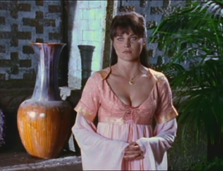 Lucy Lawless nell\'episodio Xena e la principessa di Trezene della serie Xena