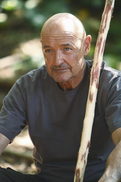 Terry O'Quinn in una scena dell'episodio Everybody Loves Hugo di Lost