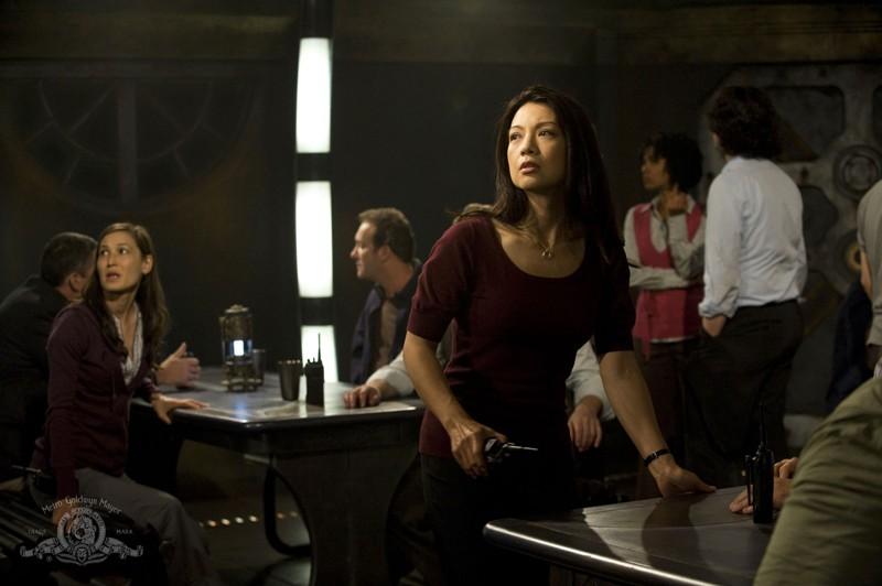 Ming-Na in una scena dell'episodio Divided di Stargate Universe