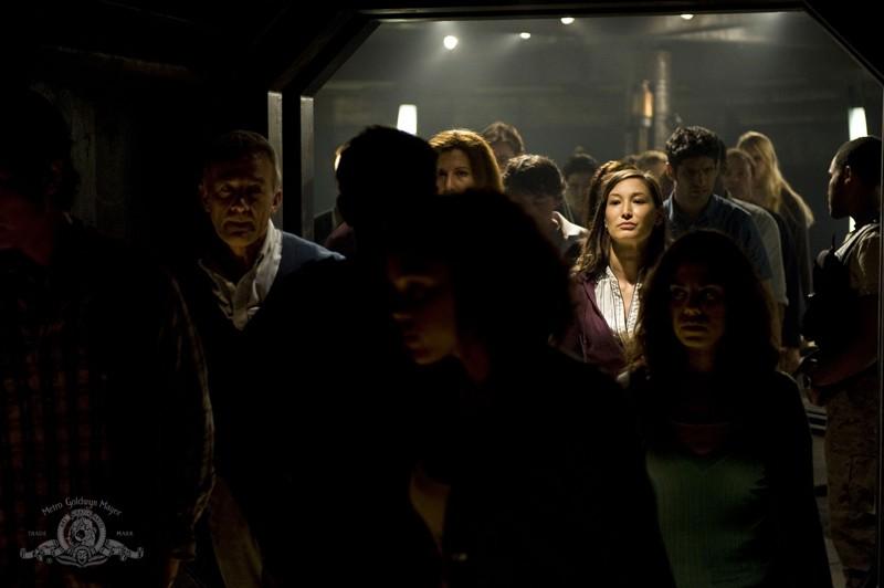 Parte dell'equipaggio della Destiny nell'episodio Divided di Stargate Universe