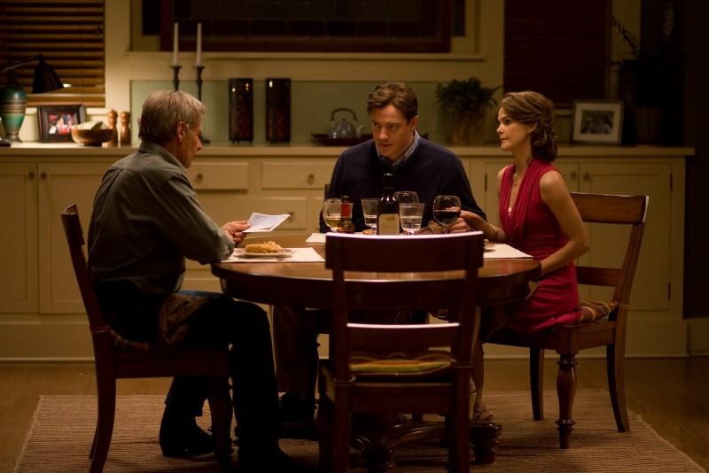 Brendan Fraser, Keri Russell e Harrison Ford in una scena del film Extraordinary Measures