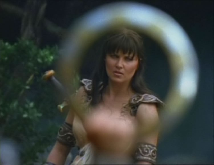 Lucy Lawless nell\'episodio Xena e la vendetta di Callisto di Xena