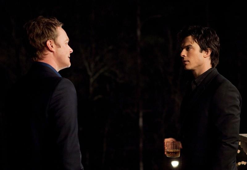 Ian Somerhalder ha una discussione con David Anders nell'episodio Under Control di The Vampire Diaries