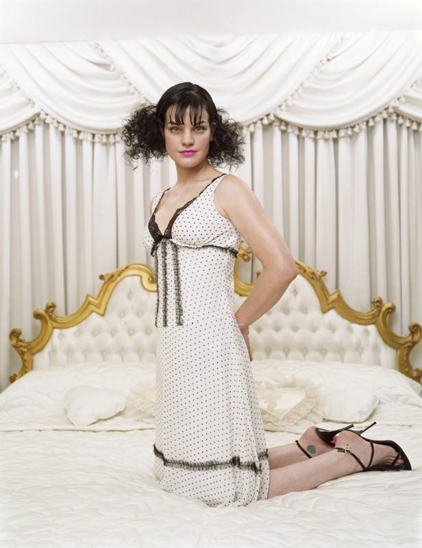 L'attrice Pauley Perrette in posa per un servizio fotografico