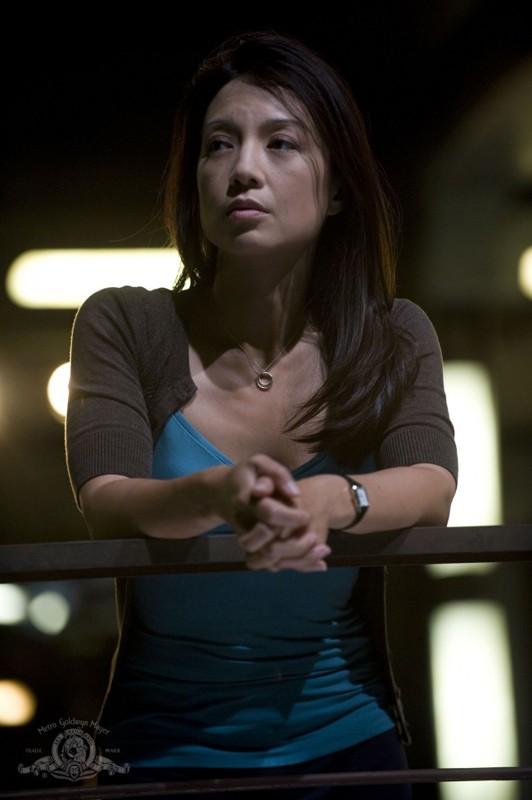 Una pensierosa Ming-Na nell'episodio Faith di Stargate Universe