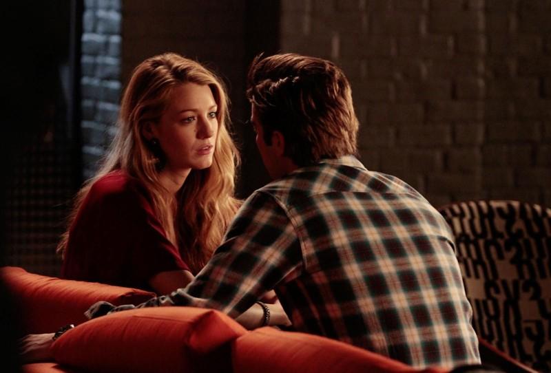 Serena (Blake Lively) parla con Nate (Chace Crawford) in un momento dell'episodio Dr. Strangeloved di Gossip Girl