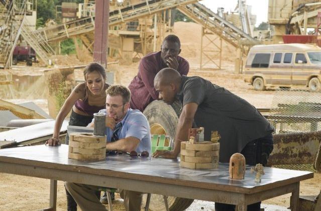 Idris Elba e Columbus Short nel film The Losers