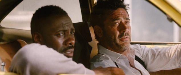Idris Elba e Jeffrey Dean Morgan in una scena del film The Losers