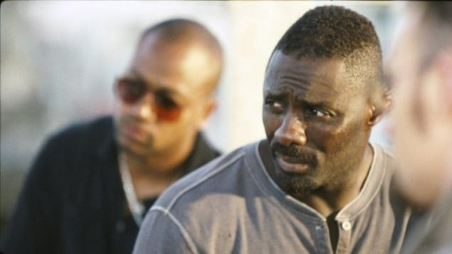 Idris Elba nel film The Losers