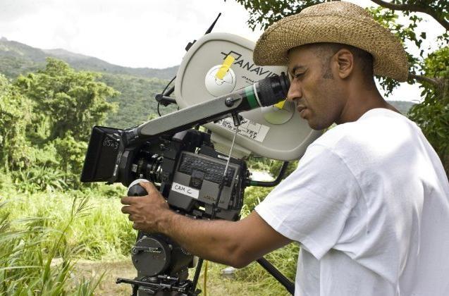 Il regista Sylvain White sul set del film The Losers