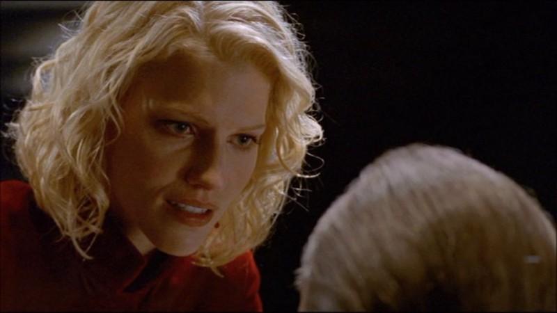 La bella Tricia Helfer nel film Battlestar Galactica