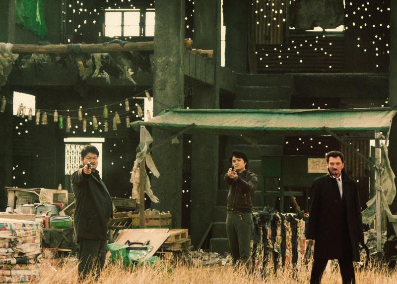 Lam Suet, Lam Ka Tung e Johnny Hallyday in una scena del film Vendicami