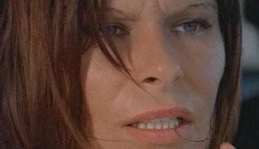 Lea Lander in una scena del film Semaforo Rosso (Cani arrabbiati)