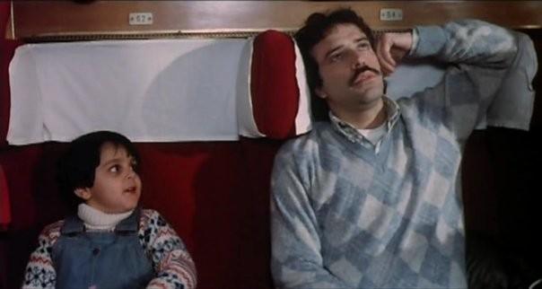 Lorenzo Aiello con Enrico Montesano nel film Amore in prima classe