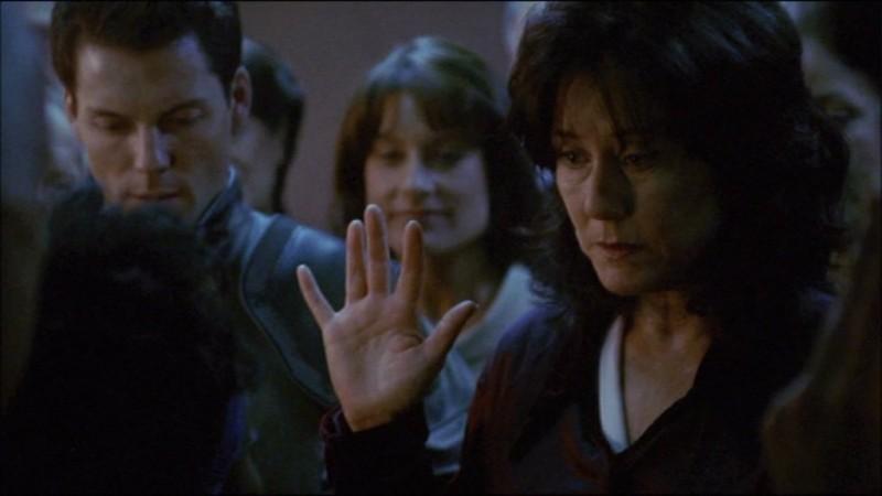 Mary McDonnell con Jamie Bamber in Battlestar Galactica