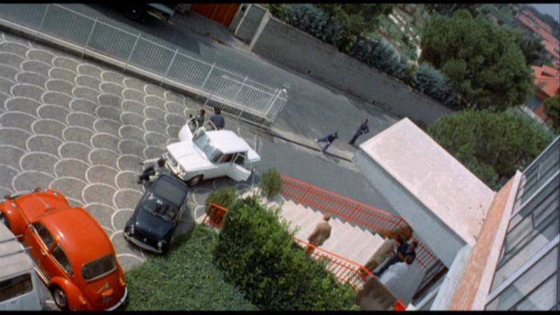 Una scena del film Semaforo Rosso (Cani arrabbiati) (1974)