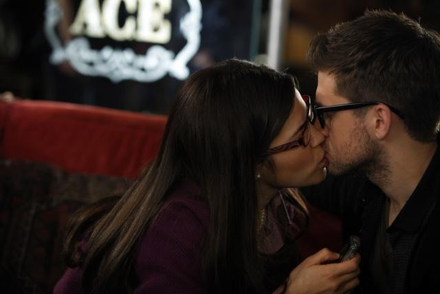 Ugly Betty: America Ferrera ed Aaron Tveit nell'episodio All the World's a Stage