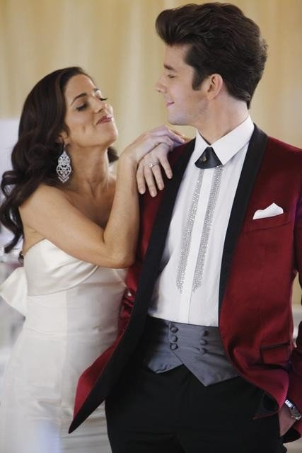 Ugly Betty: Ana Ortiz e Michael Urie nell'episodio The Past Presents the Future