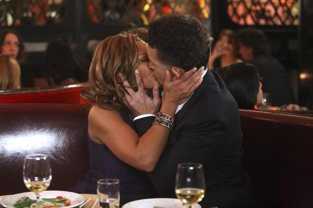 Ugly Betty: Brian Stokes Mitchell e Vanessa Williams nell'episodio Fire and Nice