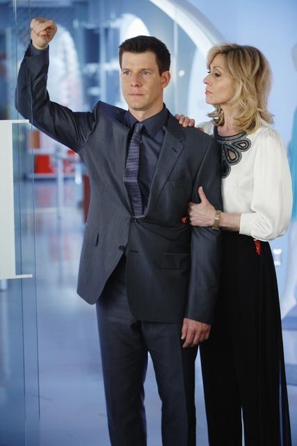 Ugly Betty: Eric Mabius e Judith Light nell'episodio Hello Goodbye