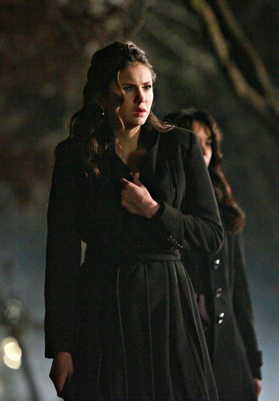 Nina Dobrev sconvolta in un momento dell'episodio Miss Mystic Falls di The Vampire Diaries
