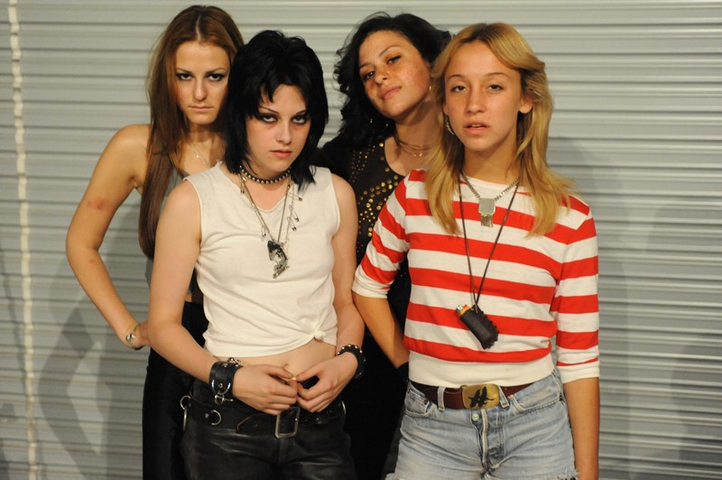 Un'immagine promo del gruppo rock anni '70: The Runaways per l'omonimo film