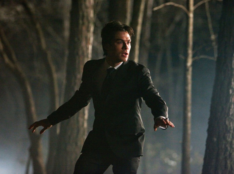 Ian Somerhalder in una sequenza dell'episodio Miss Mystic Falls di The Vampire Diaries