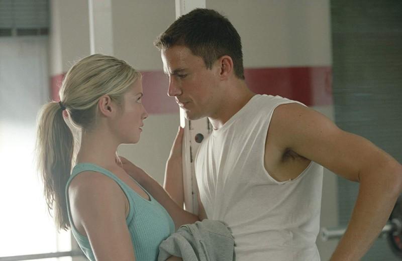 Olivia (Laura Ramsey) flirta con Duke (Channing Tatum) in un momento del film She's the Man