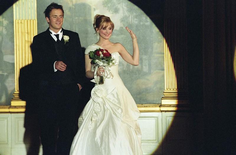 Robert Hoffman e Alexandra Breckenridge al ballo delle debuttanti nel film She's the Man